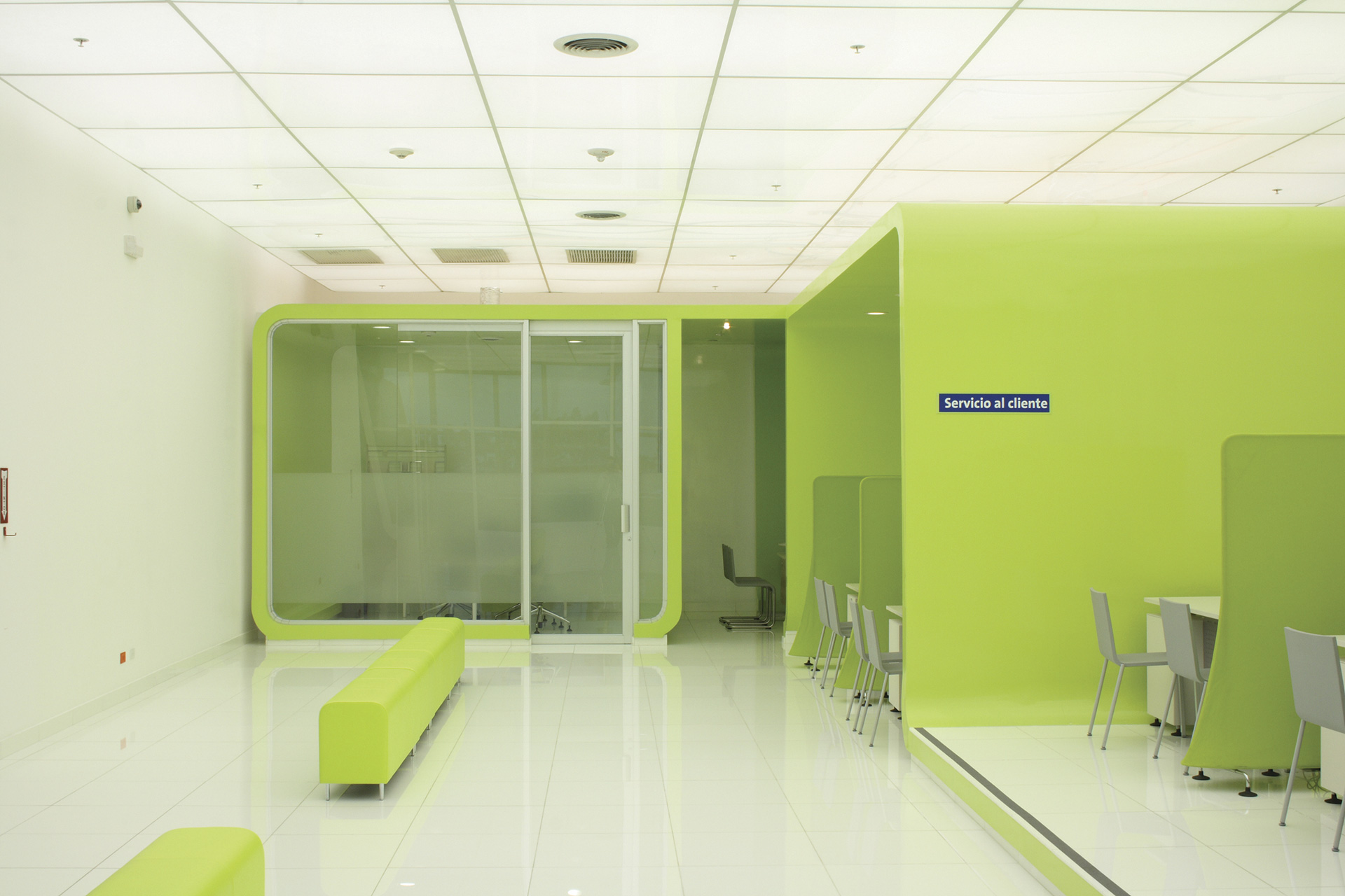 _telefonica-flagship-store-02
