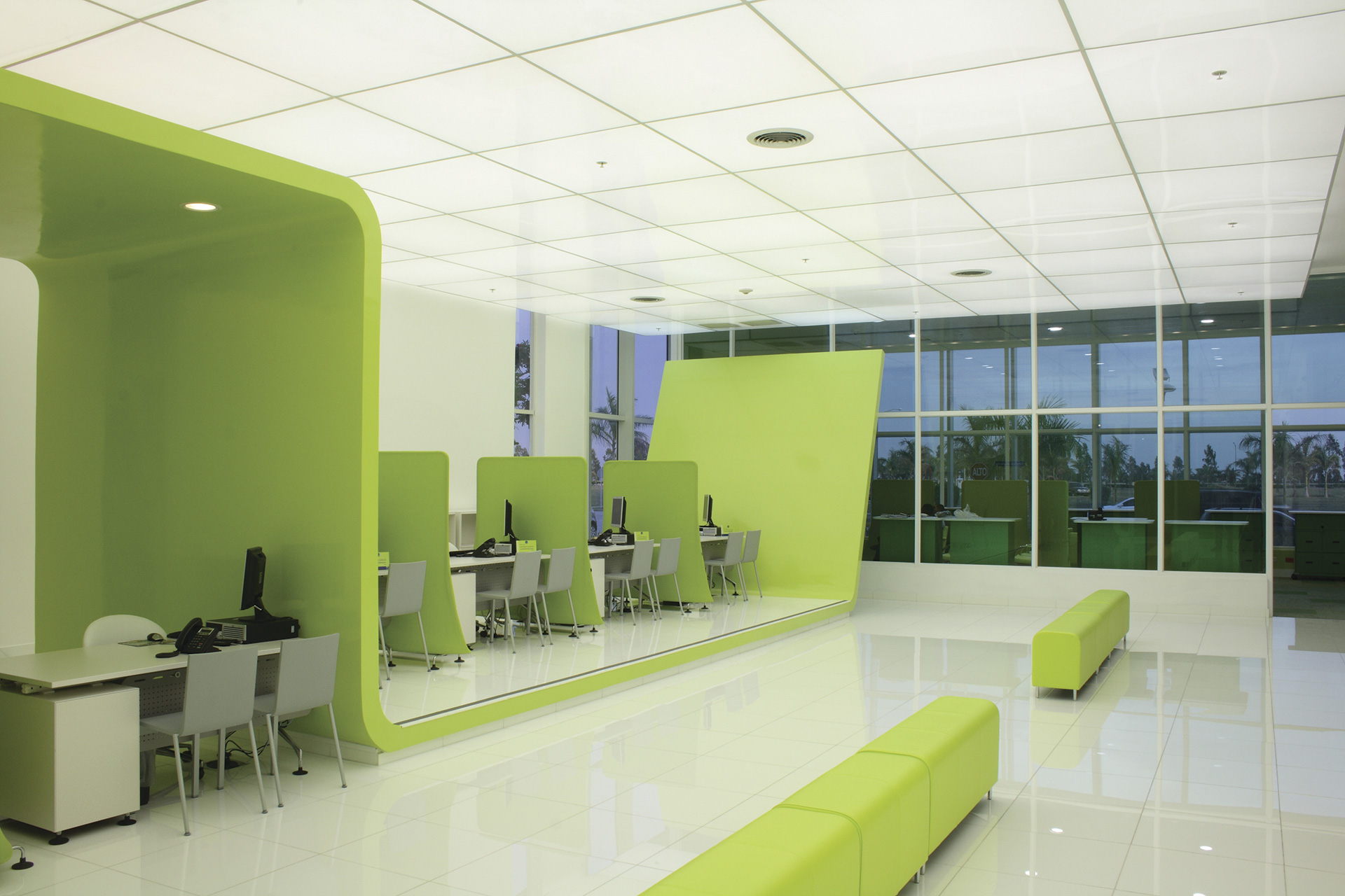 _telefonica-flagship-store-03